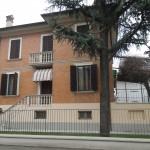 Manutenzione straordinaria ed adattamento  a residenza collettiva di villetta residenziale del primo '900.